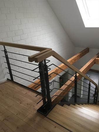 Handlauf und Treppenstufen Massivholz